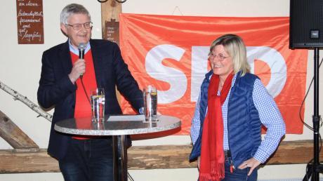 Werner Widuckel und Sabine Schneider beim Aschermittwochsgespräch in Weichering. Gemeinsam wollen sie auch nach der nächsten Kommunalwahl den Landkreis politisch mitgestalten.