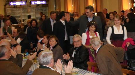 """Markus Blume begrüßt in Karlshuld die Gäste der politischen Aschermittwochs-Veranstaltung. Er ist aller Voraussicht nach der letzte politische Redner im """"Scharfen Eck""""."""