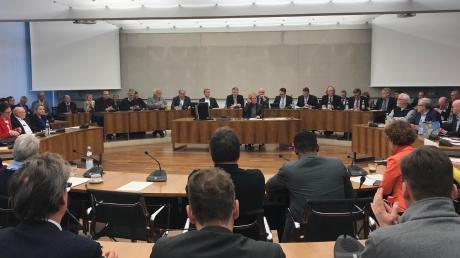 Der Ingolstädter Stadtrat hat sich in den vergangenen sechs Jahren deutlich verändert. Zahlreiche Räte schieden aus – wie Christine Haderthauer oder Alfred Lehmann – oder wechselten die Partei.