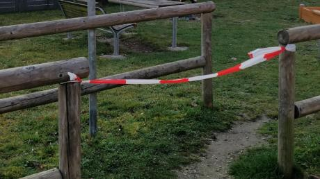 """Neuburger Spielplätze sind gesperrt. """"Der Aufenthalt ist ab 17. März 2020 strikt verboten"""", teilt die Stadt Neuburg mit."""