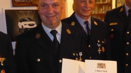 Für 25 Jahre aktive Dienstzeit wurde Andreas Stöckl (links) ausgezeichnet.