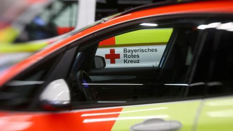 Eine junge Fahrradfahrerin hat sich bei einem Sturz in Vöhringen  schwere Verletzungen zugezogen.