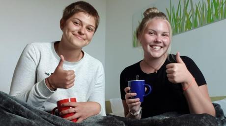 Abwarten und Tee trinken – Miriam Keppler (rechts) wartet mit ihrer Freundin Elisabeth Krämer auf die Rückholaktion der Bundesregierung.