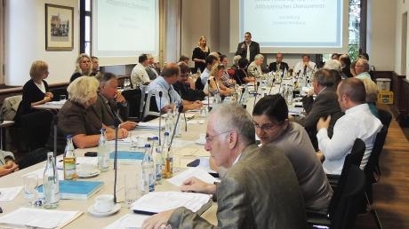 Der Neuburger Stadtrat beschließt bald seine Periode 2014 bis 2020. Das neue Plenum wird auch seine Geschäftsordnung ändern.