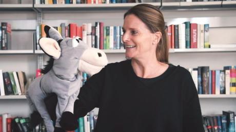 Sie gibt Online-Märchenstunden: Ulrike Mommendey.