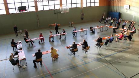 Die konstituierende Sitzung des Gemeinderates fand in der Sport- und Mehrzweckhalle in Karlshuld statt.