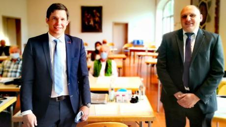 Ein bewährtes Team aus Weichering und Lichtenau: Thomas Fürst (rechts) bleibt auch die nächsten sechs Jahre der Stellvertreter von Bürgermeister Thomas Mack.