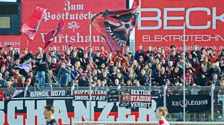 Im Vorfeld eines Fußballspiels war es vor knapp drei Jahren zu einer Auseinandersetzung gekommen, bei der Fans des FC Ingolstadt auf Zivil-Polizisten losgegangen sind.
