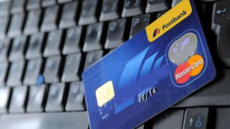 Die Betrüger locken mit Kreditangeboten. Die Polizei rät deshalb, Angebote gründlich zu prüfen, bevor Geld fließt.
