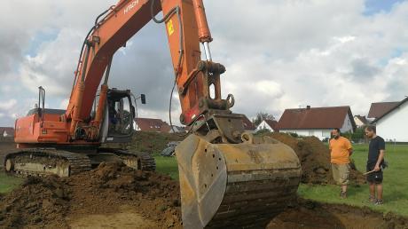 An der Windener Straße in Lichtenau entsteht ein neues Baugebiet. Archäologen haben am Freitag die künftige Zufahrtsstraße auf Relikte aus der Vergangenheit untersucht. Zwei Wochen waren die Experten vor Ort.