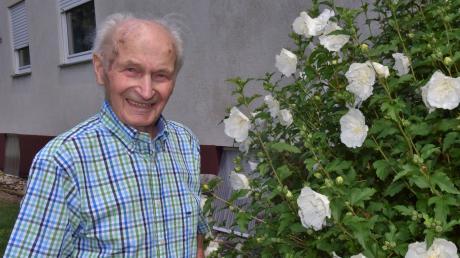 Geistig und körperlich erstaunlich fit ist Willibald Schmid. Der Landwirt und jahrzehntelang engagierte Kommunalpolitiker der CSU Königsmoos wird heute 99 Jahre alt.