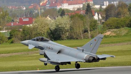 Eurofighter des Luftwaffengeschwader 74 aus Neuburg haben in der Region geübt.