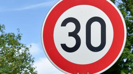 So manche Anwohner würde sich in ihrer Straße eine Zone 30 wünschen. Nicht überall ist das aber rechtlich möglich.