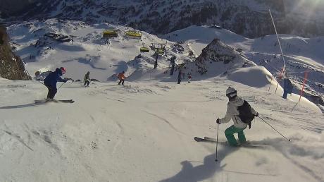 Alpines Skivergnügen – eigentlich im Freien und mit sehr viel Abstand. Wären da nicht die Fahrten mit dem Bus in die Skigebiete und dort dann in Gondeln und Liften. Wie gehen Vereine im Kreis Neuburg-Schrobenhausen damit um?