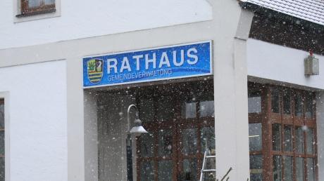 Leicht zu finden mitten in Oberhausen: Ab Montag ist das Rathaus im ehemaligen Sparkassen-Gebäude untergebracht.