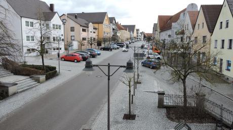 Die zentrale Lage des Marktplatzes in Burgheim macht den Ortskern auch interessant für das Thema Wohnen im Alter.