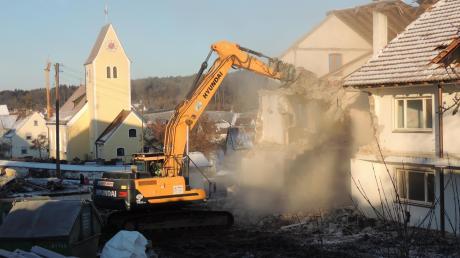 In Oberhausen laufen die Abbruch-Arbeiten. In den kommenden Tagen sollen drei Gebäude fallen.