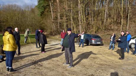 Am Ambacher Bolzplatz war das Interesse der Bürger am größten. Hier formiert sich Widerstand gegen einen Waldkindergarten, denn die Ambacher möchten ihren Bolz- und Festplatz nicht aufgeben.