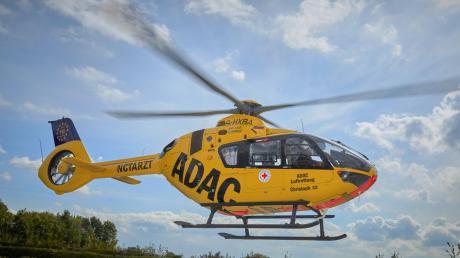 Ein schwerer Unfall hat sich am Sonntagabend bei Großmehring ereignet. Dabei wurden auch vier Kinder schwer verletzt.
