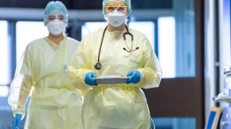 Fast 600 Menschen, die an Covid-19 erkrankt sind, wurden im vergangenen Jahr im Ingolstädter Klinikum behandelt.