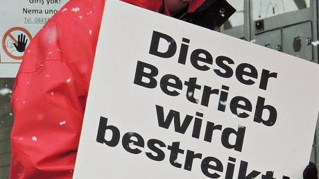"Die Firma ""RailMaint"" in Oberhausen wird bestreikt."