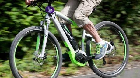 Vor allem bei E-Bikes ist die Nachfrage zuletzt so stark gestiegen, dass sie kaum mehr gedeckt werden kann. Kunden müssen deswegen bei den meisten Händlern mit langen Wartezeiten rechnen.