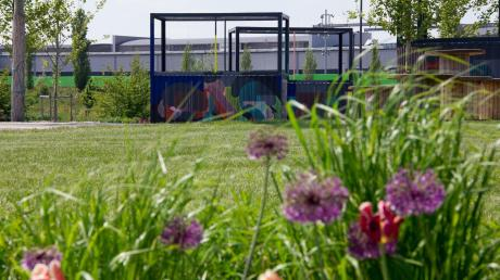 Langsam beginnt es zu blühen auf der Landesgarten schau in Ingolstadt.