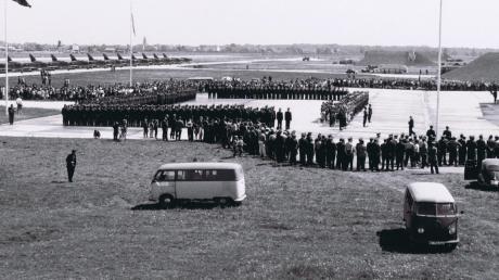 Im Mai vor 60 Jahren waren die Angehörigen das Jagdgeschwaders Neuburg zur offiziellen Indienststellung angetreten.