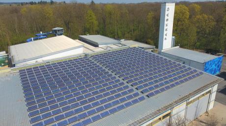Solarmodule auf der Neuburger Parkhalle.