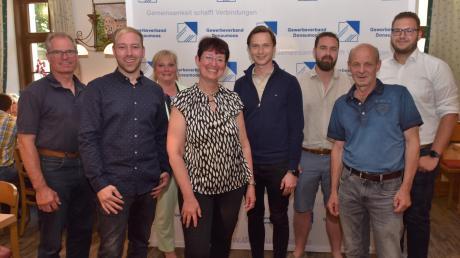Die frisch gewählte Vorstandsmannschaft des Gewerbeverbandes Donaumoos besteht aus (von links) Thomas Hümmer, Christian Hammerer, Bianca Glöckl, Vorsitzender Cornelia Euringer-Klose, Maximilian Roos, Andrej Gebel, Gerhard Vollmeier und Patrick Scheurer.