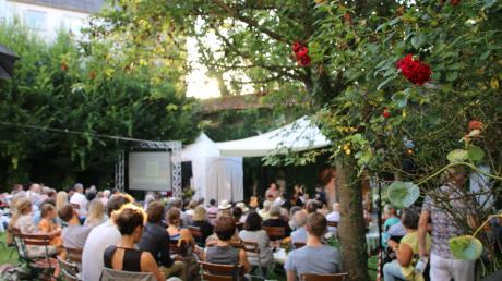 """Ein Sommerwochenende mit """"vielsaitiger"""" Musik – das Gitarrenfestival """"Barock bis Rock"""", das Norbert """"Noppo"""" Heine nun zum neunten Mal in Neuburg organisiert. Auch diesmal mit Erfolg."""