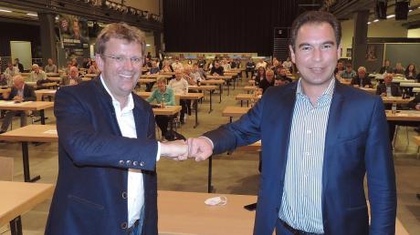 Sie sind sich einig: Matthias Enghuber (rechts) und Reinhard Brandl geben die Bundestagswahl für die CSU noch nicht verloren. Enghuber ist jetzt erneut zum Kreisvorsitzenden der Partei gewählt worden.