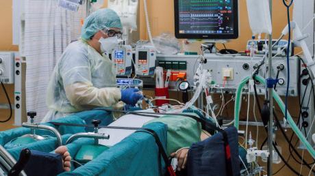 Claudia Weise kämpft im Klinikum Ingolstadt tagtäglich um das Leben von Coronapatienten. Die meisten von ihnen sind ungeimpft.