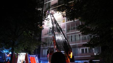 Im sechsten Obergeschoss eines Hochhauses in Ingolstadt war am frühen Freitagmorgen ein Brand ausgebrochen.