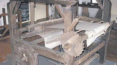 So sahen die Webstühle in den Rieser Dörfern früher aus. Der Webstuhl der Familie Schäble aus Wechingen befindet sich heute im Bauernmuseum Maihingen.