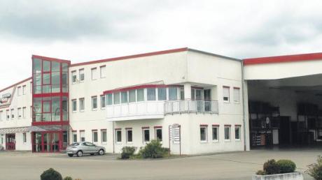 Das Verwaltungsgebäude mit Zentrallager von Getränke König in Wechingen. 1996 wurde es errichtet. 15 Jahre später soll Firmenchef Helmut König einen Bauantrag einreichen, weil ein Schulungsraum seinerzeit als Aufenthaltsraum angemeldet worden sei.