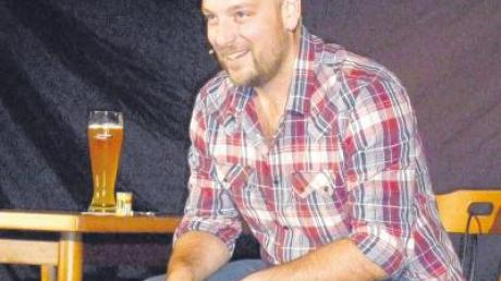 Bodenständiges, erfrischendes und kurzweiliges Kabarett zum Anfassen lieferte Stephan Zinner in Megesheim ab.