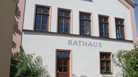 Renoviert soll heuer das Megesheimer Rathaus werden, unter anderem denkt man dabei auch an einen barrierefreien Zugang.