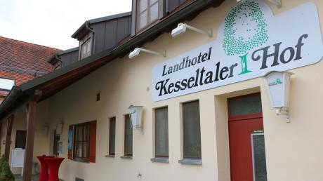 Josef und Martina Eger haben den Kesseltaler Hof vor gut 26 Jahren gekauft. Jetzt suchen sie einen Nachfolger für den Gasthof mit Hotel in Amerdingen.