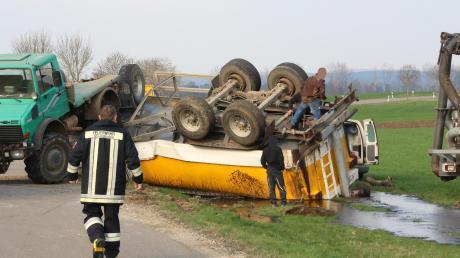 16000 Liter Gülle flossen in einen Straßengraben zwischen Wechingen und Laub.