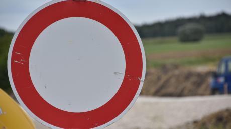 In den kommenden Wochen sind mehrere Staatsstraßen im Landkreis gesperrt.