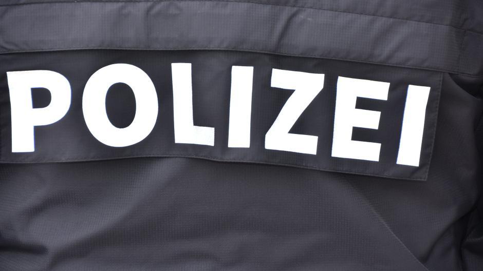 Polizei Nacktbilder 17 Jähriger Will Seine Ex Nötigen