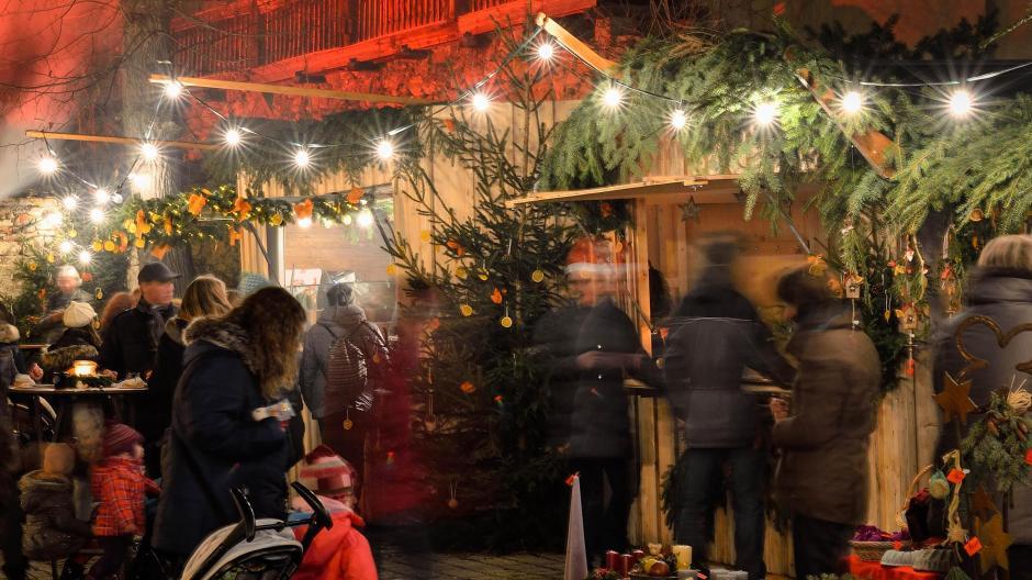 Wo Ist Weihnachtsmarkt Heute.Weihnachten Das Bietet Der Weihnachtsmarkt In Oettingen
