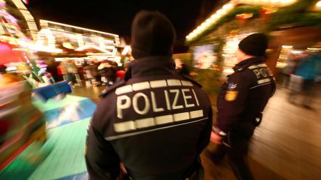 Ein Raub hat sich am späten Freitagabend auf dem Weihnachtsmarkt in Neu-Ulm ereignet.