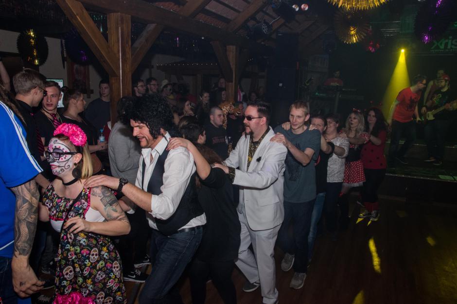 """Bunte Party beim """"Porno-Fasching im Rieser Tanzzentrum"""