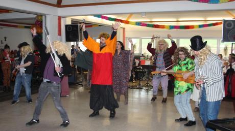 In der Werkstatt für Menschen mit Behinderung in Polsingen wurde ein Faschingsball gefeiert.