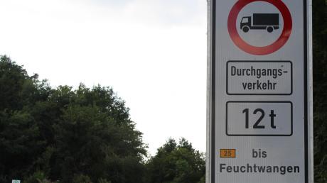 Auf der B25 zwischen Wilburgstetten und Feuchtwangen rollt der Lkw-Verkehr bald wieder.