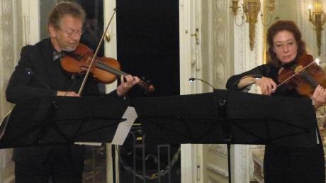 Zum Auftakt der diesjährigen Internationalen Rosetti-Festtage im Ries fand im Amerdinger Schloss ein Kammerkonzert mit dem Streicherduo Barbara und Ingolf Turban statt. Ein breites Band geigerischer Köstlichkeiten aus verschiedenen Musikepochen wurde für ein begeistertes Publikum geboten.