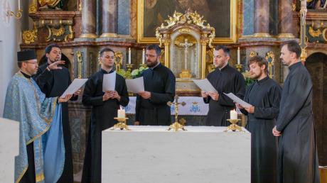 In der Megesheimer Kirche St. Luzia und St. Ottilia trug das Collegium Orientale Lieder und gesungene Gebete vor.
