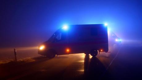 Bei einem Verkehrsunfall in der Nähe von Holzkirchen wurden am Donnerstagabend drei Frauen schwer verletzt.